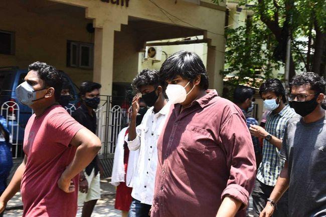 Celebs Condolences to Actor Vivek