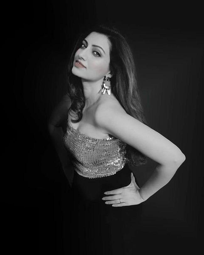 Hamsa Nandini Trendy Clicks