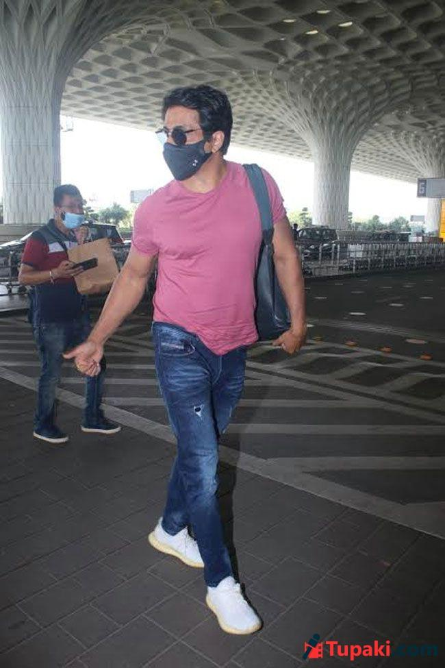 Sonu Sood Spotted At Airport Departure Photos