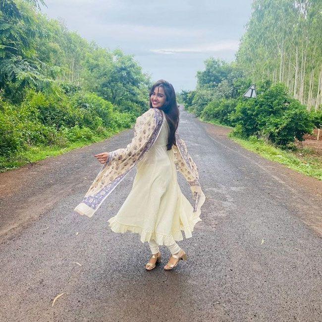 Pujita Ponnada Latest Gallery Pictures