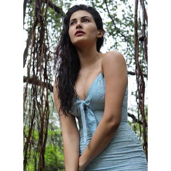 Amyra Dastur Throwback Stills