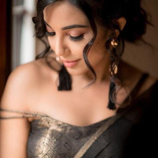 Parvati Nair Latest Photos