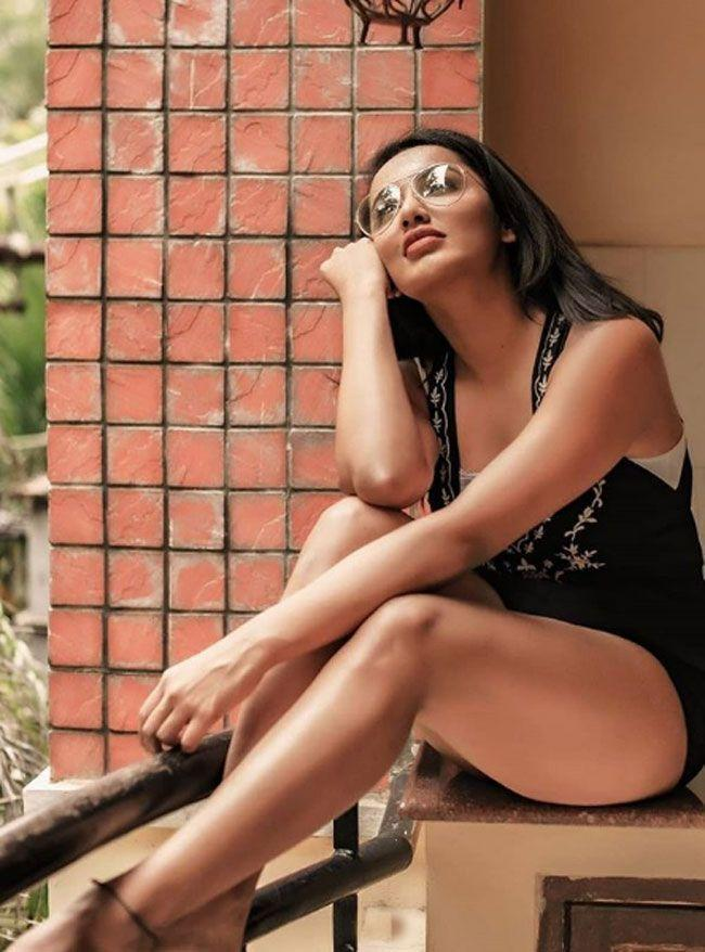 Tejaswi Madivada Flaunting her Beauty In Pictures