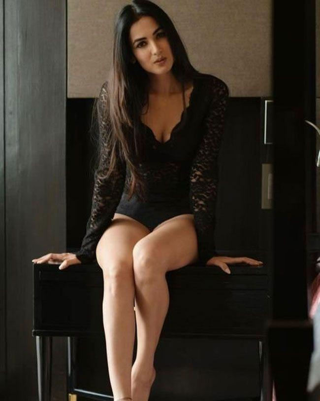 Sonal Chauhan New Images