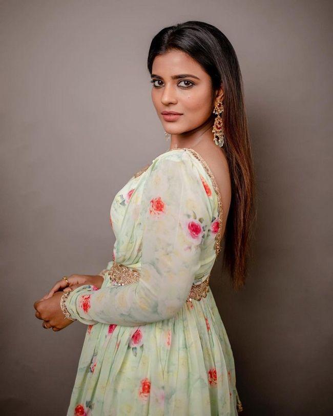 Aishwarya Rajesh Clicks