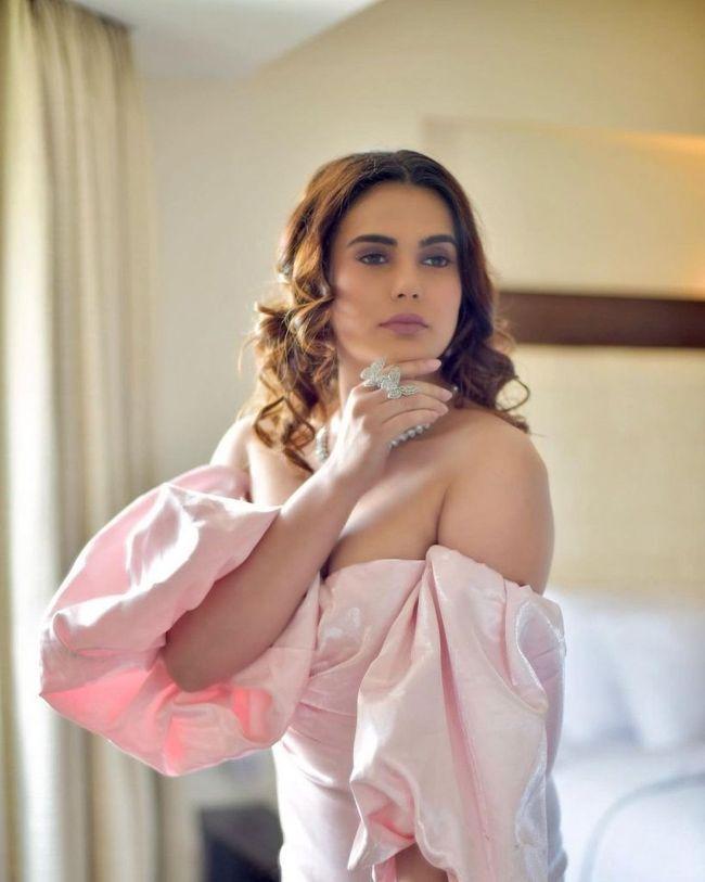 Anupama Agnihotri Adorable Clicks
