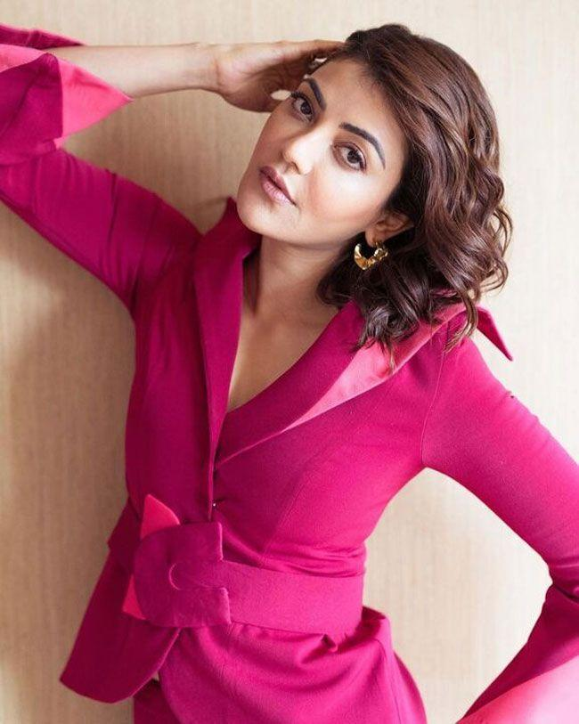 Kajal Aggarwal Exquisite Looks In Pink