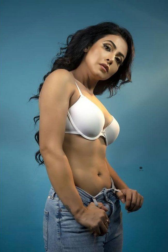Nandini Rai Latest Glam Pics