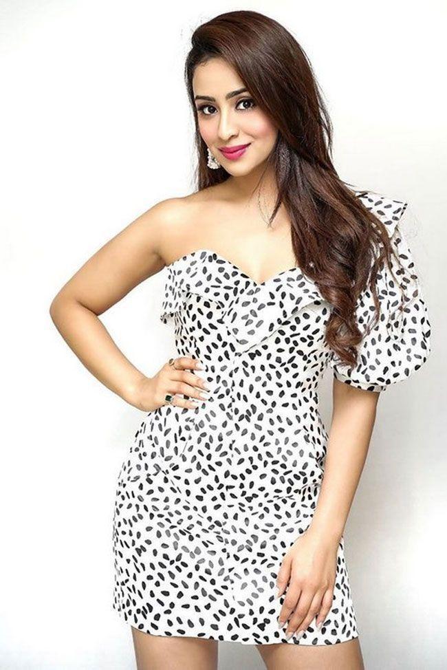 Tridha Choudhury Joyful Looks
