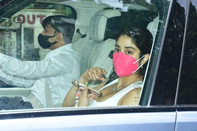 Janhvi Kapoor New Snaps