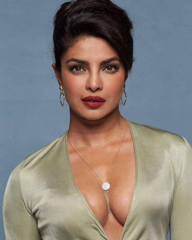 Priyanka Chopra Astonishing Pics