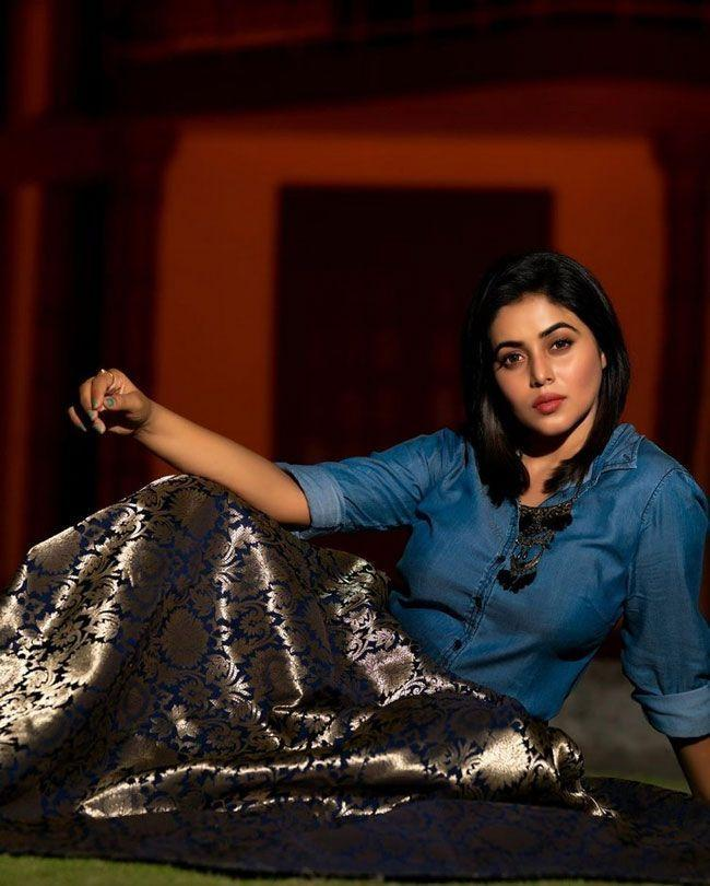 Actress Poorna Photoshoot Pictures