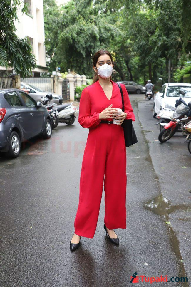 Raashi khanna Stuns People with Red colour Dress