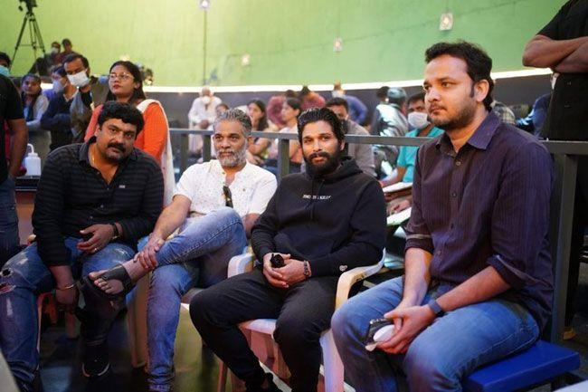 Icon Star Allu Arjun Came To the sets of Ghani