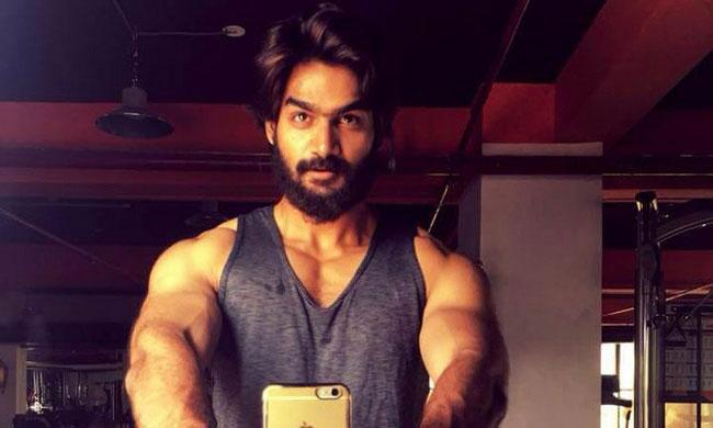 Handsome Karthikeya Spotted At The Gym Flaunting His Ripped Muscles