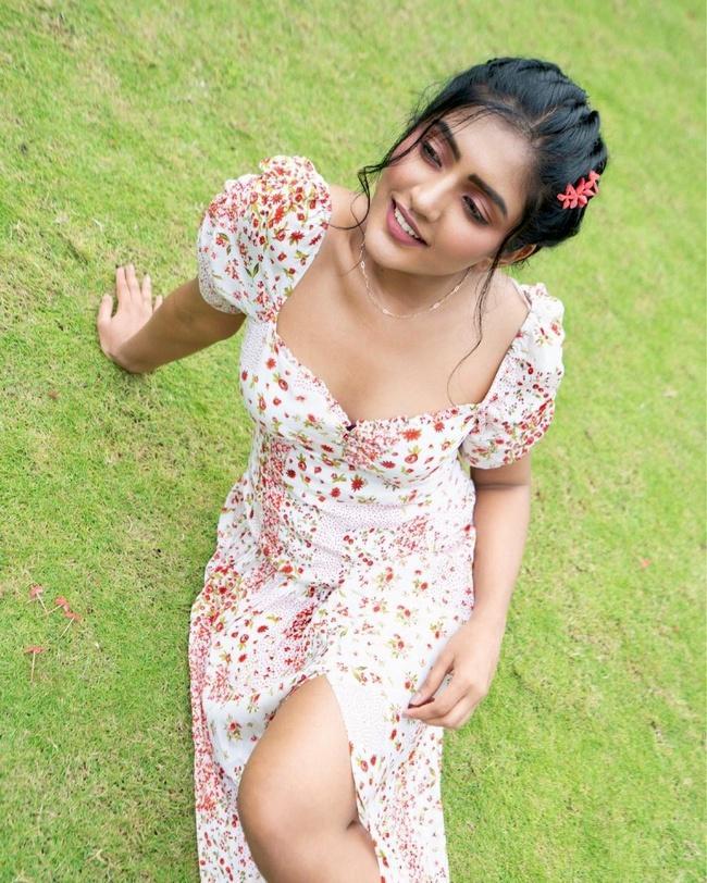 Actress Eesha Rebba New Insta Pics