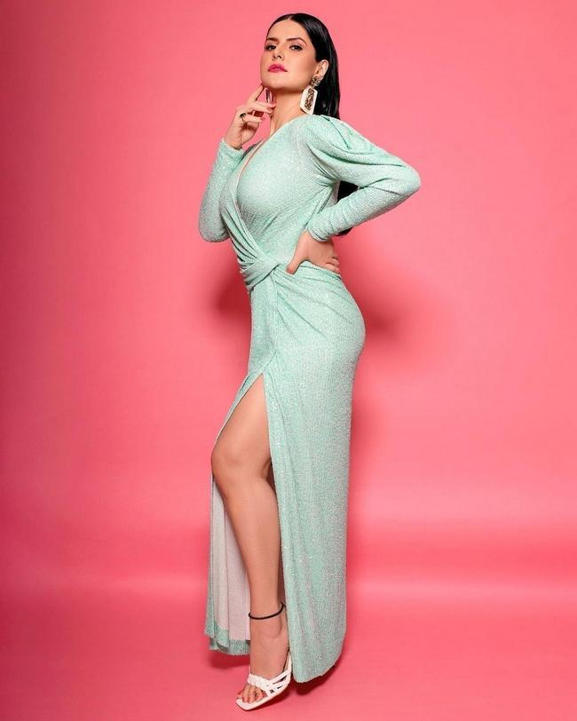 Bollywood Actress Zareen Khan latest photo shoot
