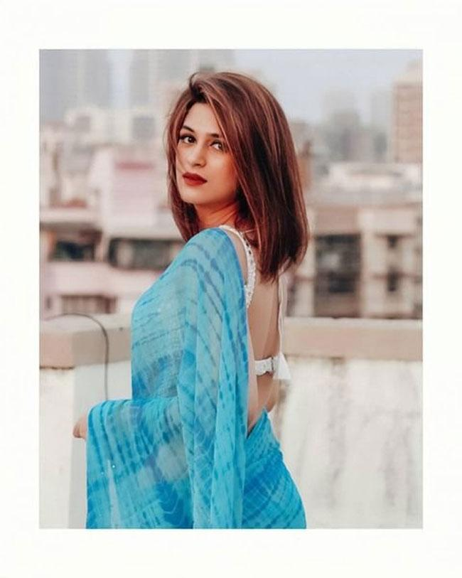 Shraddha Das kills in saree