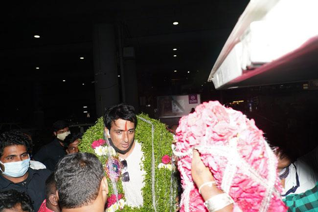 Fans Wishes to Real Hero Sonu Sood on his birthday