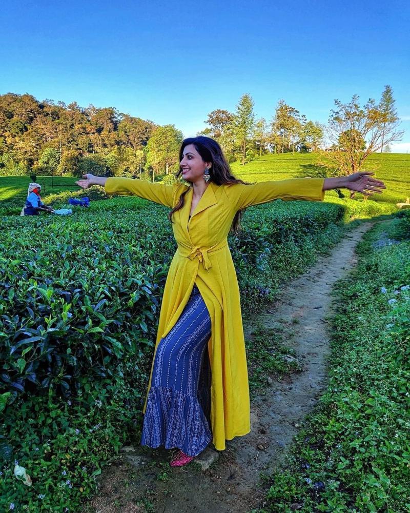 Hamsa Nandini Enjoying in Exquisite Locations