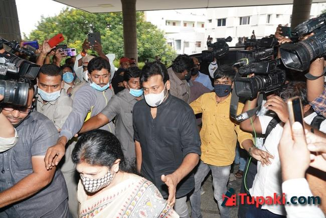 Chiranjeevi with wife Surekha garu visits Apollo hospital for Sai Dharam Tej
