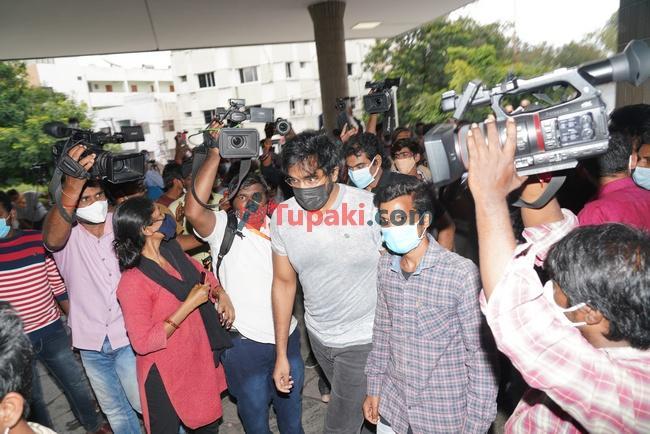 Actor Vishnu Manchu with wife at Apollo hospital for sai dharam tej