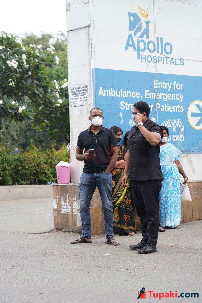 Celebrities At Apollo Hospital For sai Dharam Tej