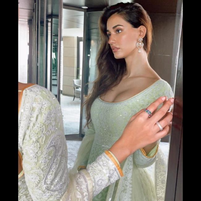 Actress Disha Patani is Enchanting Pics