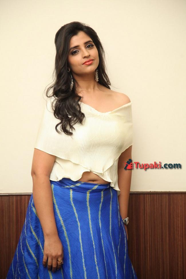 Anchor Shyamala At Maestro Movie Pre release event