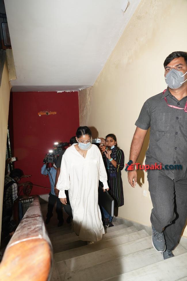 Actress Mumaith Khan at ED office in Hderabad