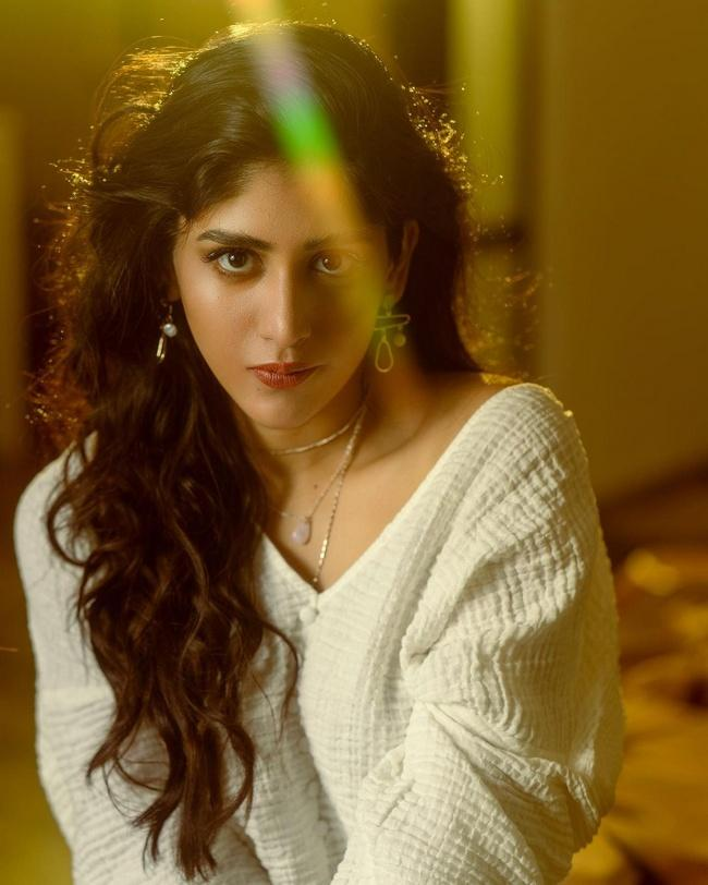 Chandini Chowdary is Stunni Looks in Latest Pics