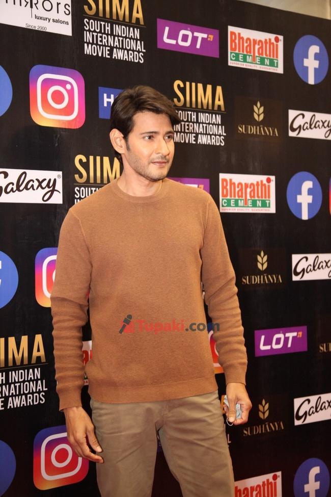 Mahesh Babu at SIIMA Awards 2021 Awards Red Carpet