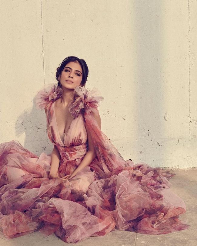 Malavika Mohan captivates everyone with her new photoshoot
