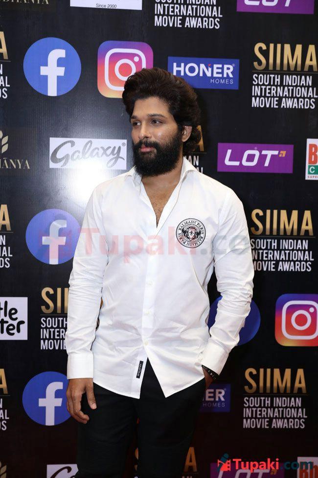 Allu Arjun At SIIMA 2021 Awards Red Carpet