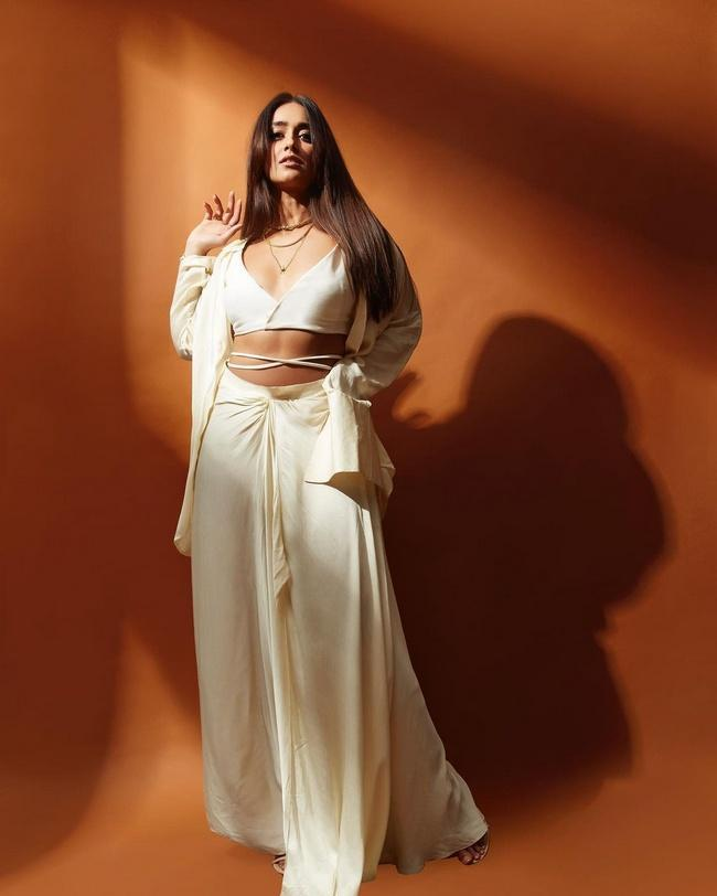 Actress Ileana Beautiful Looks in her New Photos