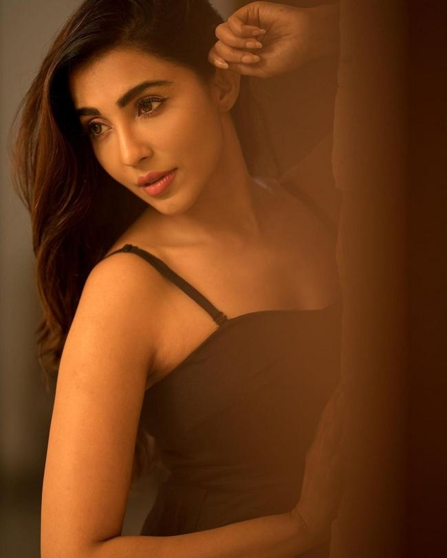 Parvati Nair Awesome Looks in Her New Still