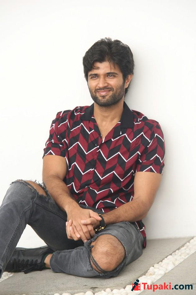 Vijay Devarakonda Geetha Govindam Interview Photos
