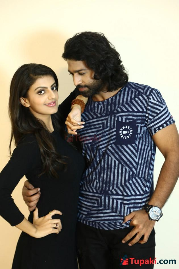 Tupaki Shot -  Ishtangaa Couple  Arjun Mahi and Tanishq Rajan Exclusive Photo Shoot