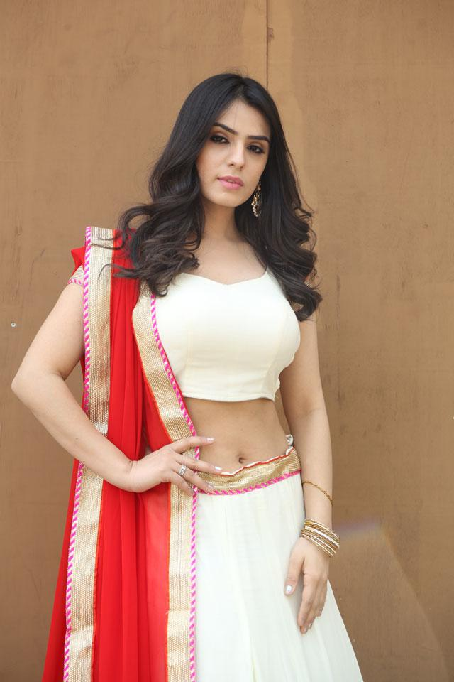 Actress Sidhika Sharma Photos