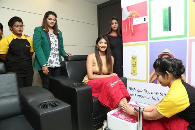 Priya Vadlamani Inaugurates BeYou Salon at Puppalaguda Photos
