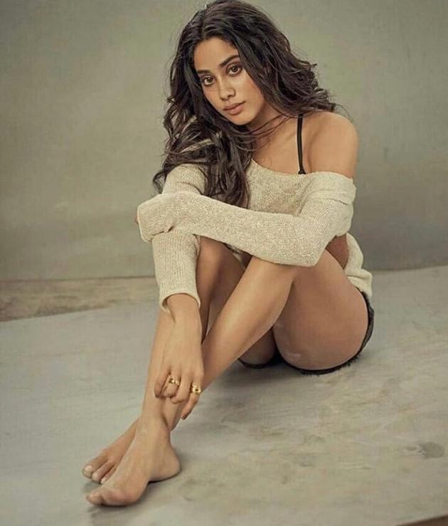 Jhanvi Kapoor Latest Pics