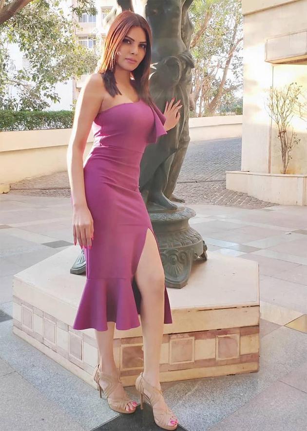 Sherlyn Chopra Latest Pics