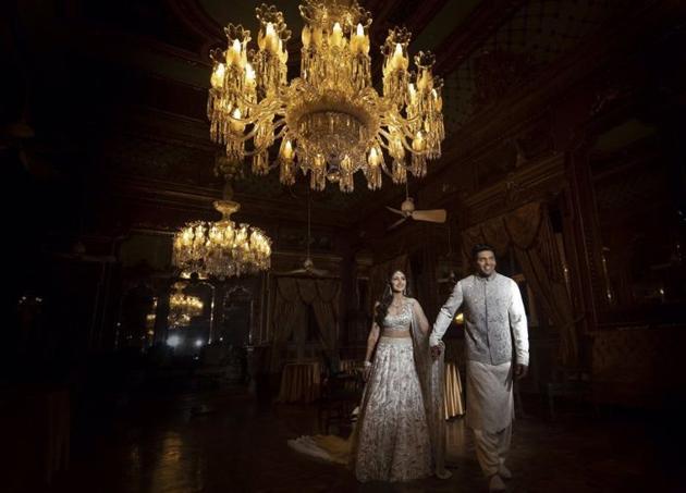 Newly Wed Couple Arya And Sayyesha Photos