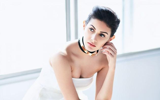 Amyra Dastur Insta Pics