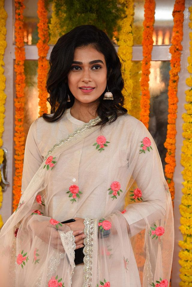 Aakanksha Singh Photos