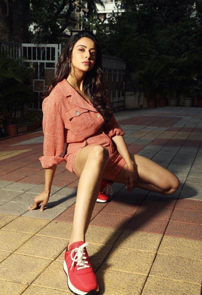 Rocking Rakul Preet Singh Photoshoot Pics