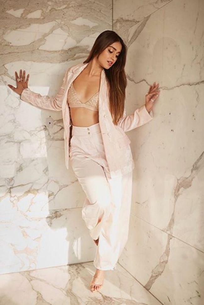 Ileana DCruz Beauty Pics