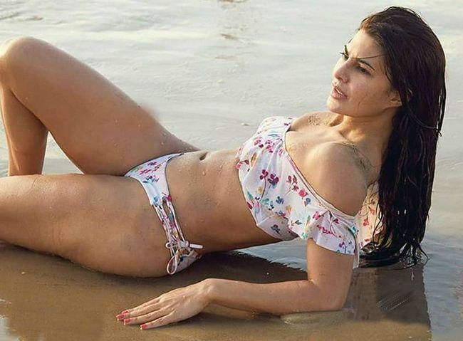 Jacqueline Fernandez Beach Vacation Pics