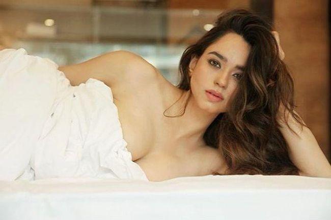 Soundarya Sharma Adorable Photoshoot