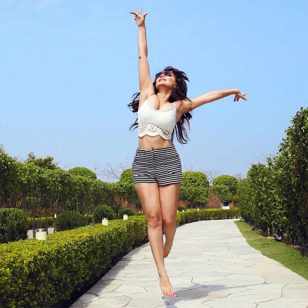 Minissha Lamba Latest Glamourous Photos
